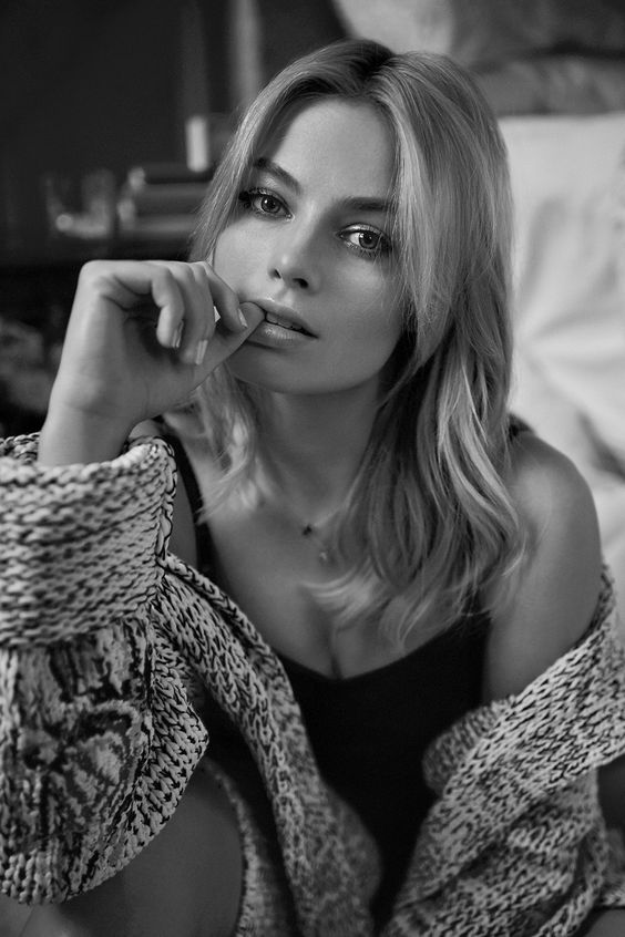 Margot Robbie (actress, The Wolf of Wall Street, Z for Zachariah, Tarzan, Focus, Harley Quinn in Suicide Squad) by Beau Grealy