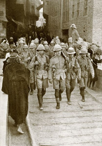 British troops march through a town in Mesopotamia en route to Baghdad 1917 Baghdad was captured in 1917 from the Turkish Army