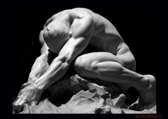 Un escultor es una persona obsesionada con la forma de las cosas. Henry Moore