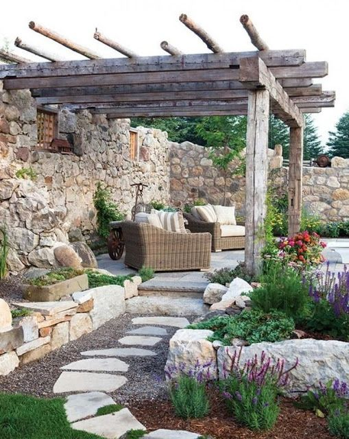 Reciclar Reutilizar Y Reducir Encantadoras Terrazas Decoracion De Patio Paisajismo De Patio Jardines Rusticos