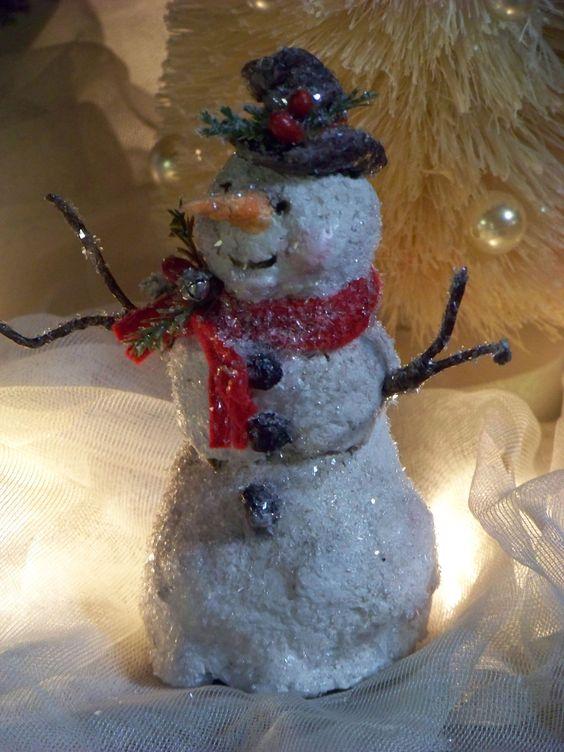 Ooak sculpted paper mache christmas winter snowman folk for Paper mache christmas