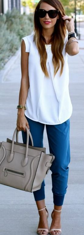 Casual Chic - White blouse, cropped blue trousers / beige tote.
