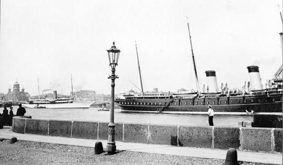 The Standart, docked in St. Petersburg, 1909