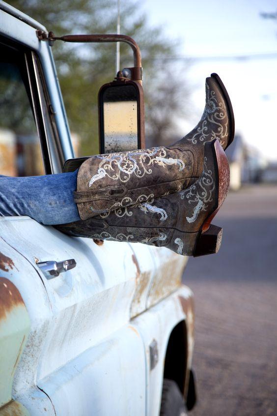 Women's Western Boots, Cowboy Boots | Buckle.com