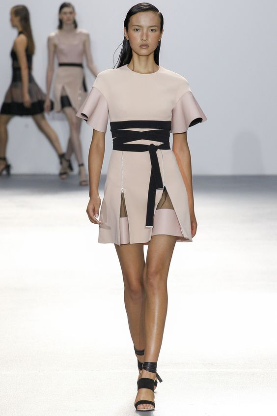 David Koma Spring 2016 Ready-to-Wear Fashion Show: