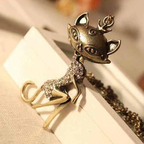 Vintage cat necklace.