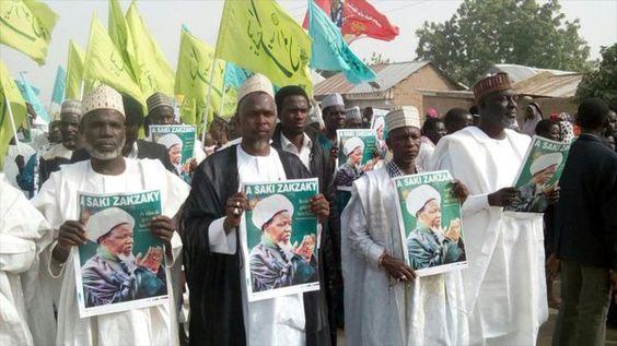 Hispantv: Manifestantes #nigerianos urgen liberación de gran clérigo #musulmán https://t.co/s1pbS8mgD4 https://t.co/rBCt9c0sJY