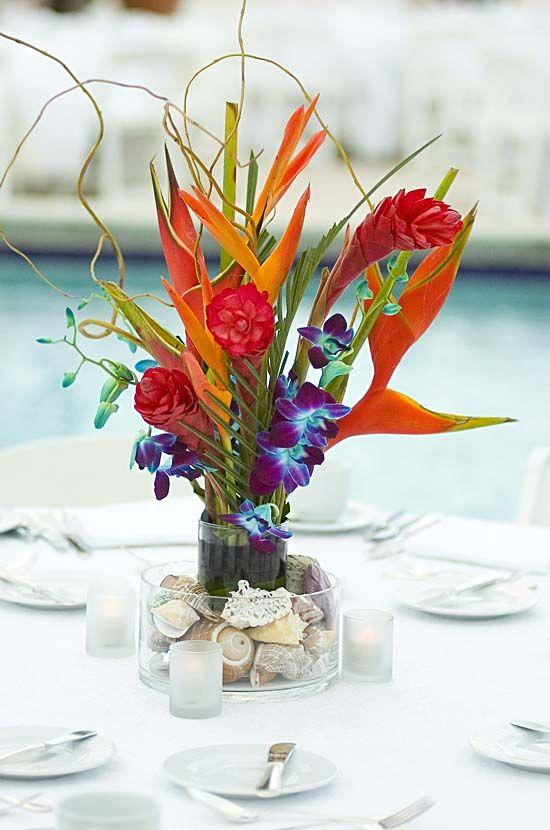 Idée centre de table fleurs tropical mariage