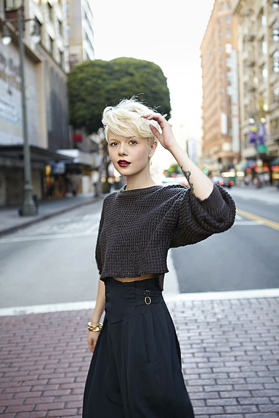 Falda cintura alta + jersey top: