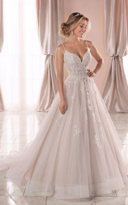 Spaghetti Strap V Neckline Ball Gown Wedding Dress With Beading And Embroidery Kleinfeld Bridal Wedding Dresses With Straps Ball Gowns Wedding Stella York Wedding Dress