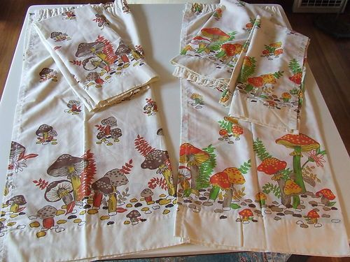 VINTAGE MERRY MUSHROOM RETRO 70's KITCHEN CAFE CURTAINS 5 PANELS 30x36