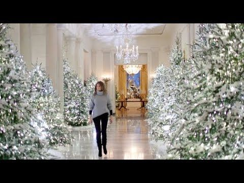 Compare Melania Trump To Michelle Obama S White House Christmas Decor Yout White House Christmas Decorations White House Christmas White House Christmas Tree