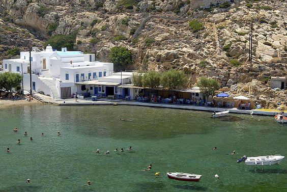 SIFANTO \ SIFNOS - GRECIA Sifnos è un'isola greca, che fa parte dell'arcipelago delle Cicladi, ma non è così famosa come le sue sorelle Mikonos e Santorini.