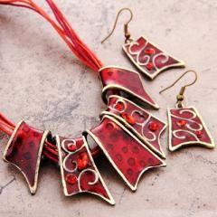Red Rhinestone Pendant with Dangle Earrings