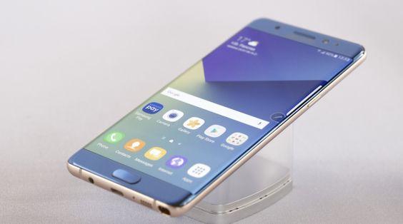 Galaxy Note 7, le esplosioni colpa della batteria http://www.sapereweb.it/galaxy-note-7-le-esplosioni-colpa-della-batteria/        Foto: Milo Sciaky / Around Gallery Dopo meno di una settimana di indagini interne, sembra che Samsung sia finalmente riuscita ad arrivare al bandolo dell'intricata matassa dei Galaxy Note 7 esplosivi. Da qualche giorno avevano iniziato a emergere in Rete notizie di esplosioni e c...