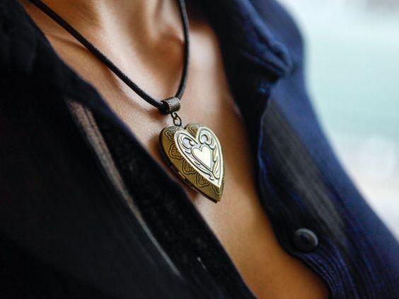 Jasmine Perfume, Solid Perfume, Perfume Oil,Narural Fragrance,Aromatherapy Locket,Scented Locket,Oil Diffusing Locket,Oil Diffusing Necklace