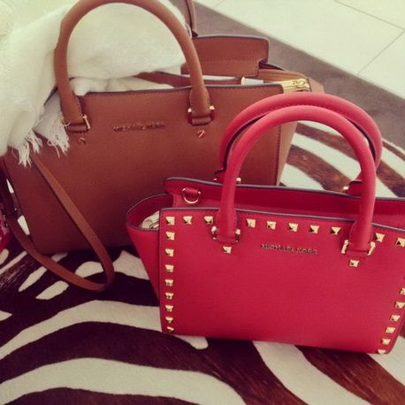 Inexpensive But Real #Michael #Kors Coming To Buy One & Be Kind To Youself