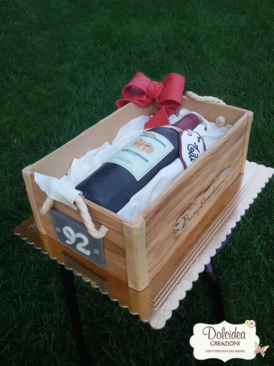 Torta bottiglia di vino - Wine bottle cake