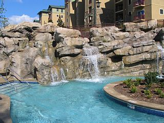 Luxury Condo near Dollywood, indoor pool, lazy river and spa.Vacation Rental in Pigeon Forge from @homeaway! #vacation #rental #travel #homeaway