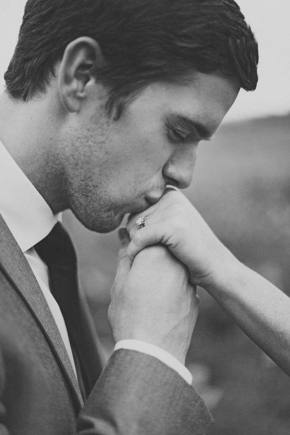 détail, pose, baiser, alliance, plan rapproché