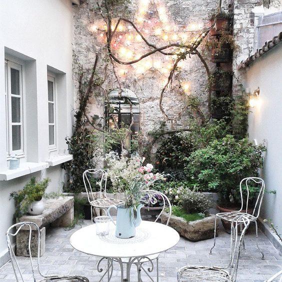 patio de l'hôtel Henriette