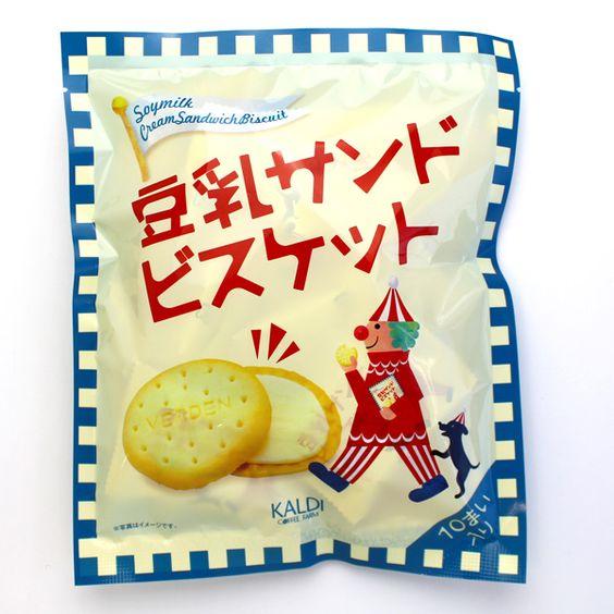 なめらかクリームが美味しい♡カルディの「豆乳サンドビスケット」