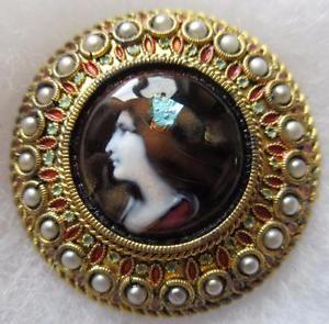 REMARKABLE-LARGE-Antique-Hand-ENAMEL-Portrait-BUTTON-w-Foil-Accents-Pearl-Rim