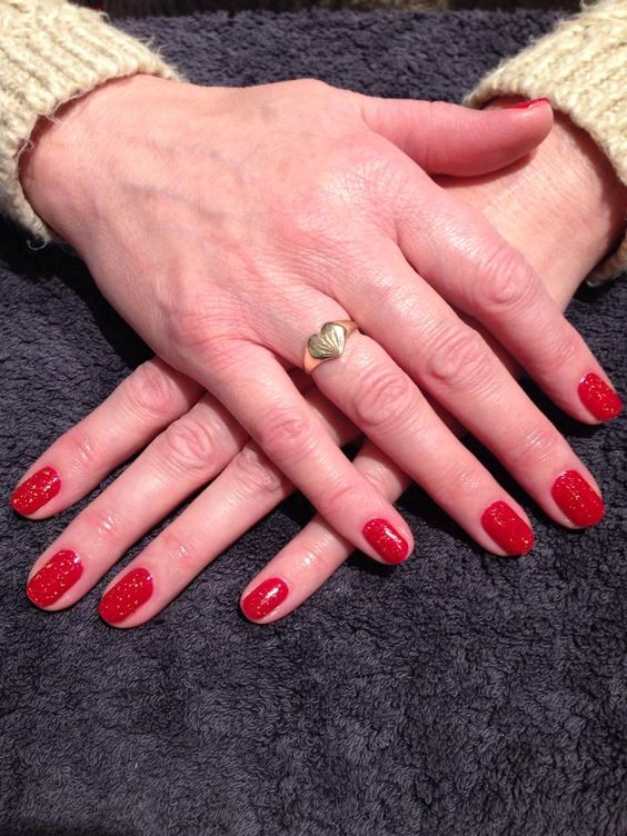 OPI Gelcolor OPI Red with 18ct Gold top coat!