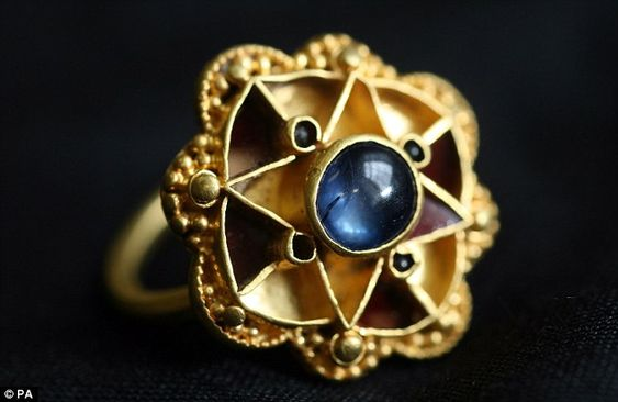 Ancient: The ring is now believed to have belonged to royalty in the 5th and 6th centuries: Metal Detectorist, Sapphire Rings, Ancient Jewelry, Antique Jewelry, Viking Royalty, Anglo Saxon