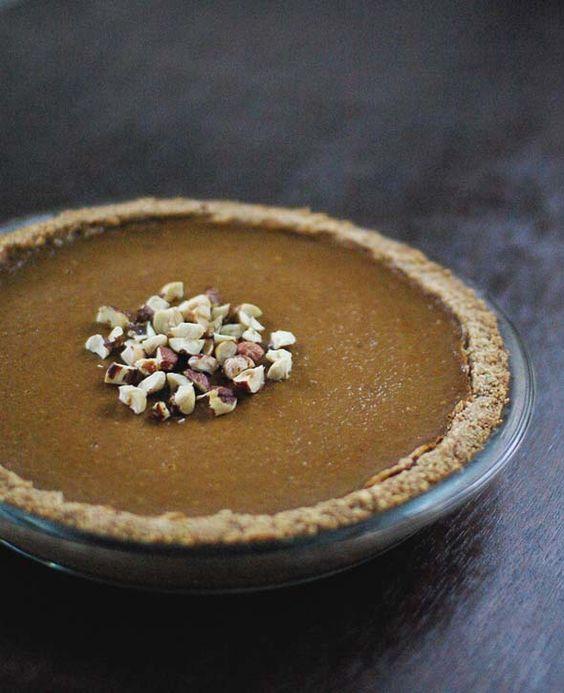 pumpkin pie with hazelnut crust