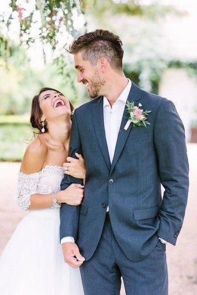 Country Wedding Photography Bridesmaid Photos Artisticweddingphotography Wedding Couple Poses Bride Groom Photos Wedding Picture Poses