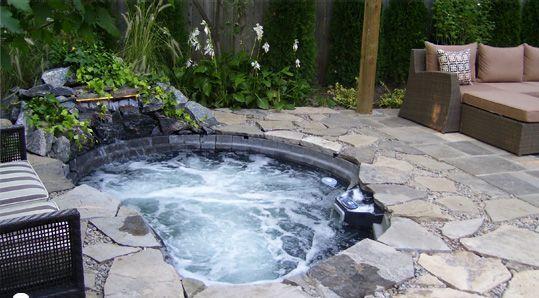 Amenagement Pour Spa Nature Coin Feu Pave Aquastyle Cuisine Exterieure Paysagement Plessisville Decks Backyard Pool Hot Tub Hot Tub Backyard