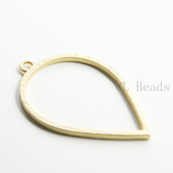 Base Metal Fancy Pendants - Tear 50x34mm (196C)