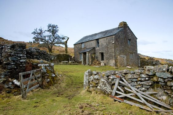 The House at the End of the Moor where Maggie lives.
