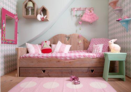 vloerkleed Vera 70x150 lichtroze? De leukste Kunststof vloerkleden voor de kinderkamer bij Saartje Prum.