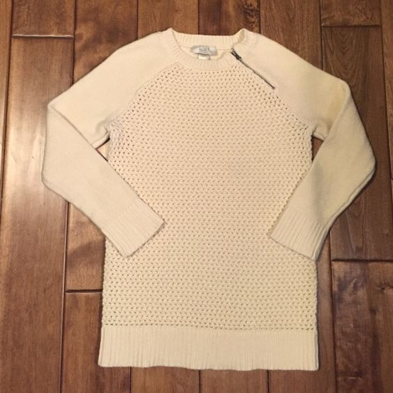 ❤️Buy 2, Save 25%❤️ Cream Waffle Sweater-The Loft Preloved and washed a few times, but still in good condition. No stains or rips. Fun zipper on collar and see through woven pattern on front. 100% Cotton. LOFT Sweaters Crew & Scoop Necks