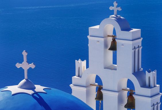 Your complete list of Greece Travel Tips with ideas on things to do, and best things to see in Greece. Great for first time travellers.