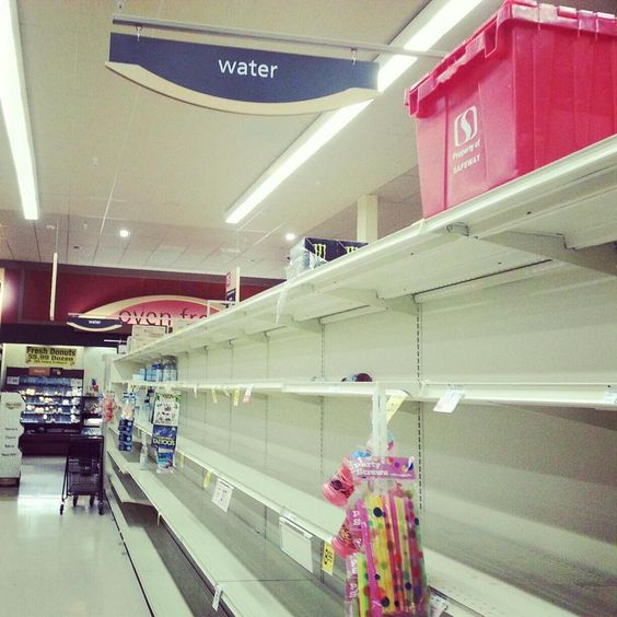 Water aisles empty in Bethesda. By @BethesdaRow