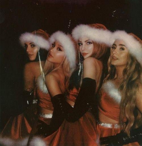 Ariana Grande Fans Image By Makayla Laresa On A R I A N A Ariana