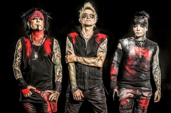 Nikki Sixx moves on quickly from Motley Crue   Pittsburgh Post-Gazette