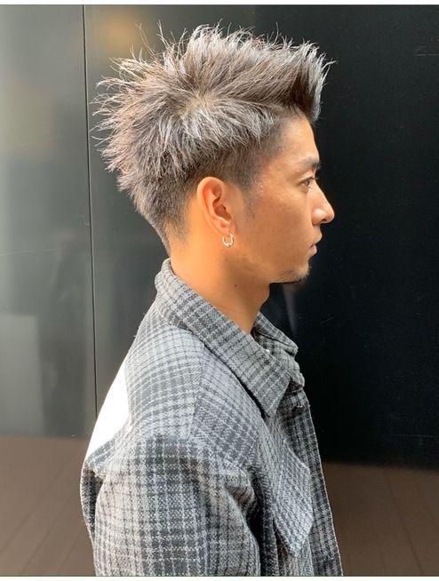 黒髪ツイストパーマフェード刈り上げアップバングツーブロック