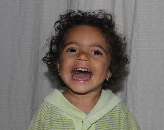 Luísa cresceu, é um bebê super ativo e que adora diversão. Brinca cada vez mais e dorme cada vez menos. A nossa luta agora é para conciliar a atenção ao bebê com o trabalho…