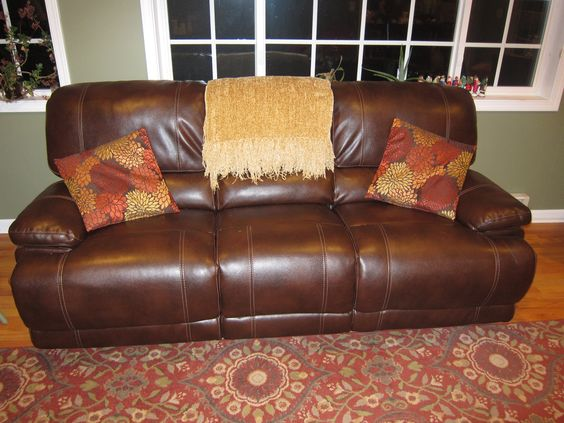 """Couch 89.5""""Wx37""""Dx38""""T"""