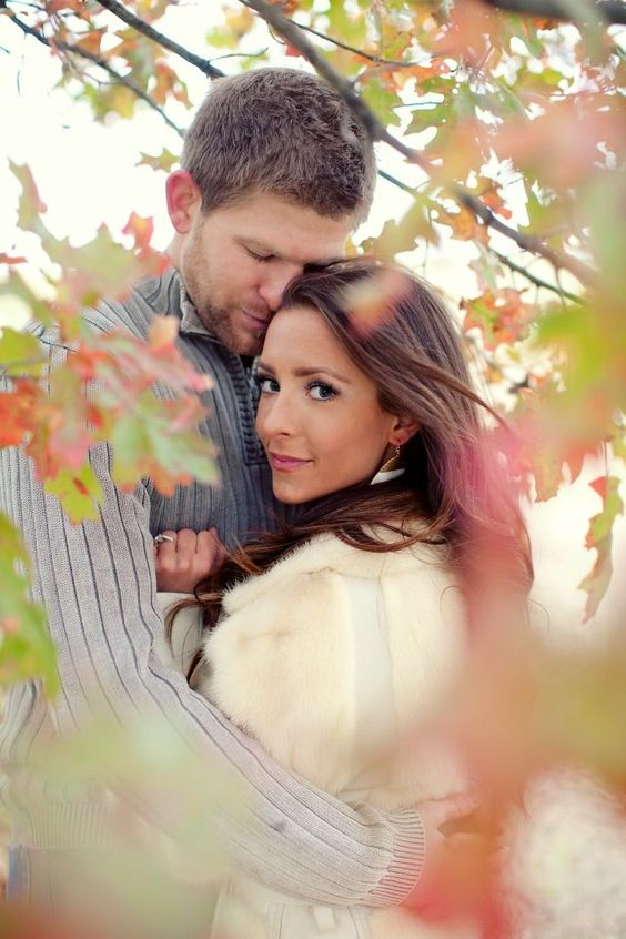 Fall/Winter engagement pics idea