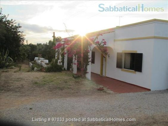SabbaticalHomes - Home for Rent Quelfes Portugal, Rural house off the