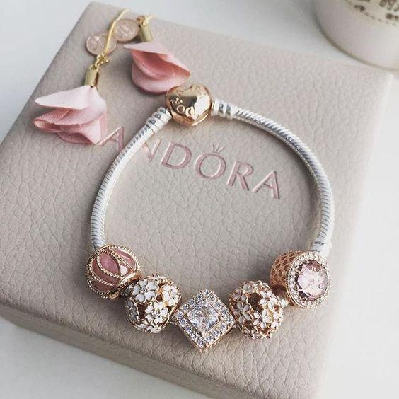 Pandora bracelet charms #pulseira #inspiração #inspiration #woman #mulheres #rosê #rosa #tumblr #tendência
