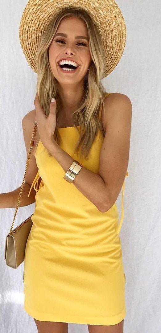 Tes kepribadian - Warna pakaian yang kamu sukai dapat mengungkap bagaimana sifatmu di mata orang lain.