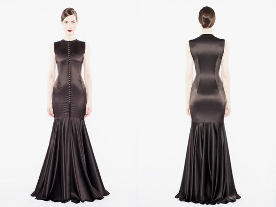 Amoralle black crystal robe – Was €582 (~£419), Now €176 (~£127)