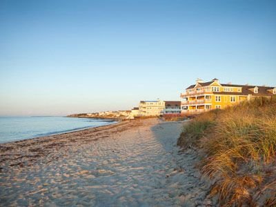 Soundings Seaside Resort features over 365 feet of private beach for you and your family to enjoy year-round. - Soundings Seaside Resort, Ascend Hotel Collection© #GoNative