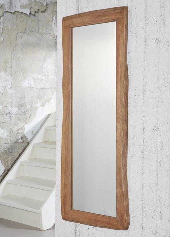 Dit is de mooie spiegel delilah met een lijst van massief for Spiegels zonder lijst